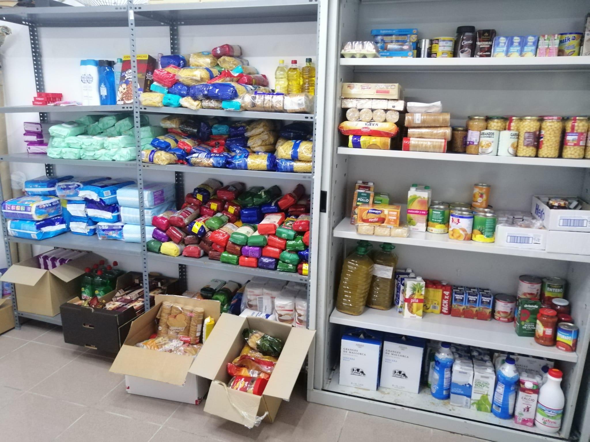 1ª recollida d'aliments que varem entregar a la parròquia d'Alcúdia.