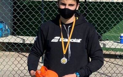 Àlex Ramos, subcampió de Mallorca de tennis categoria cadete del campionat celebrat al club de tennis Llucmajor. ENHORABONA!!