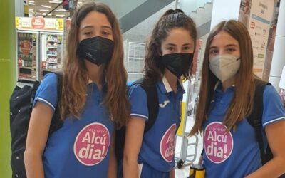 Les nostres alumnes Marta Llompart, Júlia Domingo i Mónica Salort de 1r d' ESO B participaran en el campionat d'Espanya de Bàsquet de clubs infantils. Molta sort i a passar-ho bé!